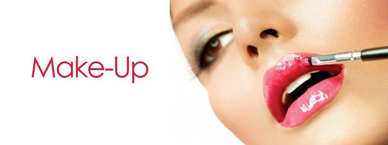 make-up-at Urban Coiffeur hair salon